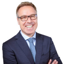 Stefan Wacker im Netzwerk von online-banker.de